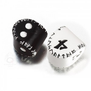 Komplet Unique Runic Black D2 & White D4 Dice Set
